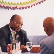 South African President Jacob Zuma meets with Sri Chinmoy at the Restaurant.